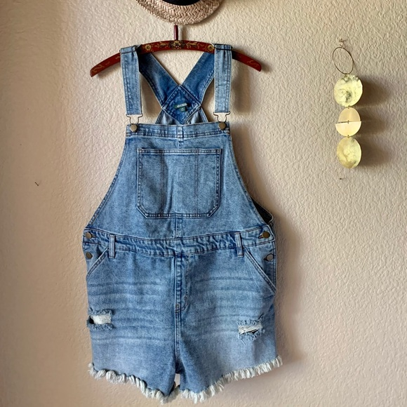Wild Fable Distressed Overall Shorts XXL